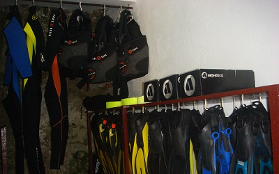 Dive rental equipment